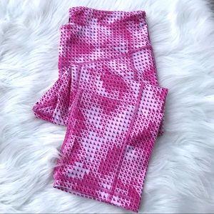 Old Navy Pink Geometric Print Capri Leggings
